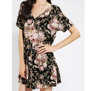Staring at stars floral flowy button dress size XS